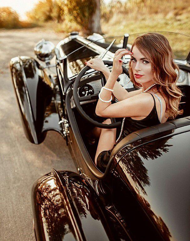 Jolies filles et belles voitures (37 PHOTOS)