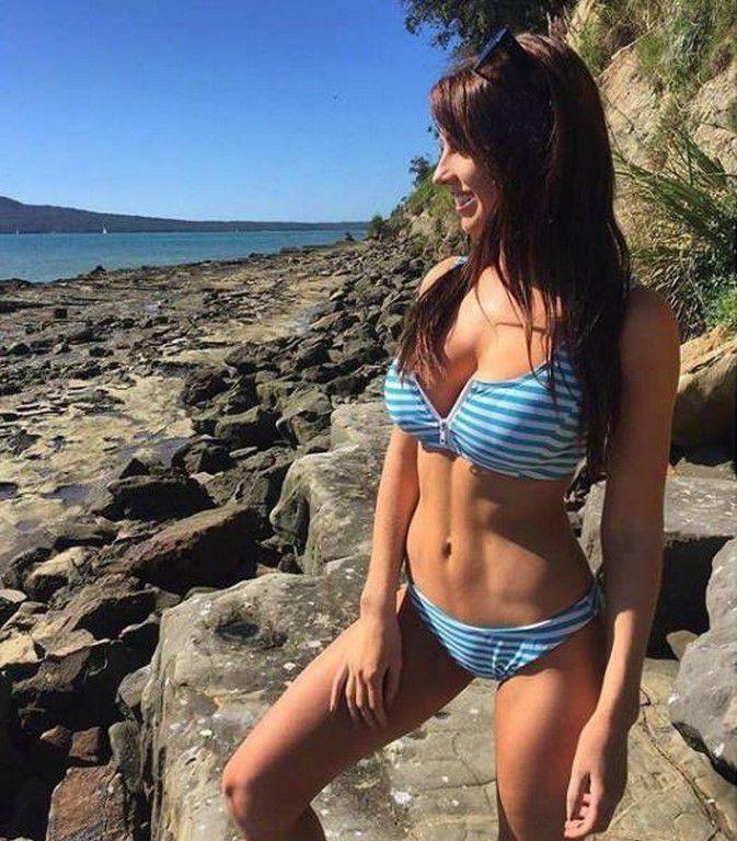 Déesses et bikini, un hommage au soleil ! (49 Photos)