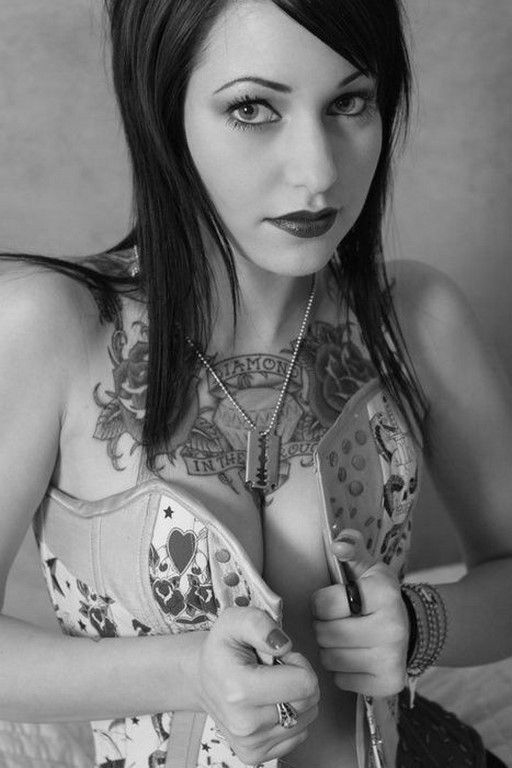 Tatouées et sexy #16 (53 Photos)