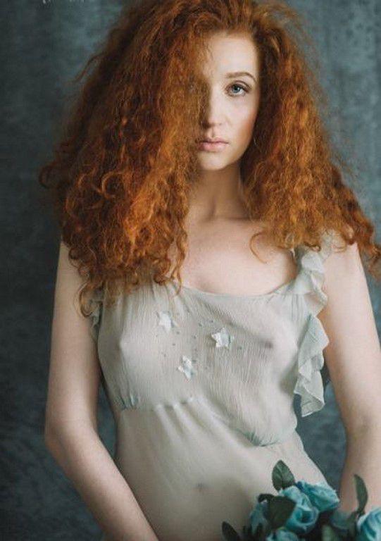 Des jolies et superbes filles rousses (83 Photos)