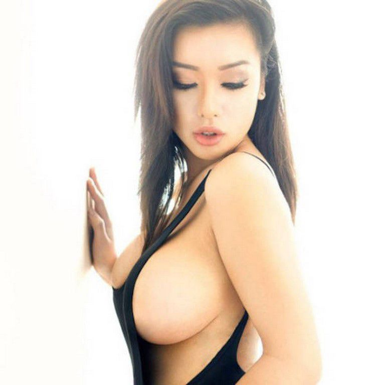 Sideboobs de folie (35 Photos)