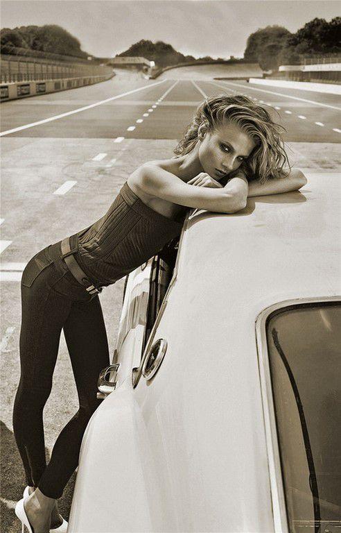 En voiture Simone! (77 Photos)