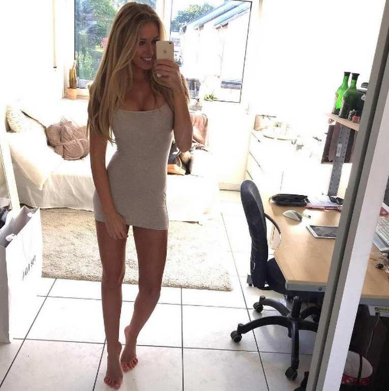 Des selfies de jolies filles (65 Photos)