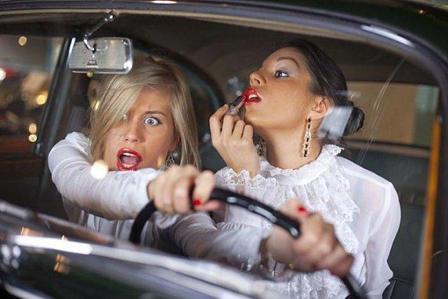Voiture rire en boite - Image voiture drole ...