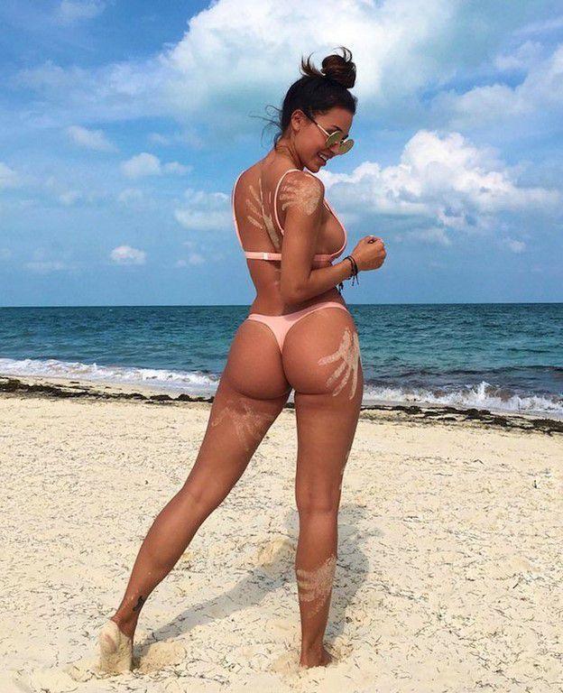 Séquence Bikinis (53 Photos)