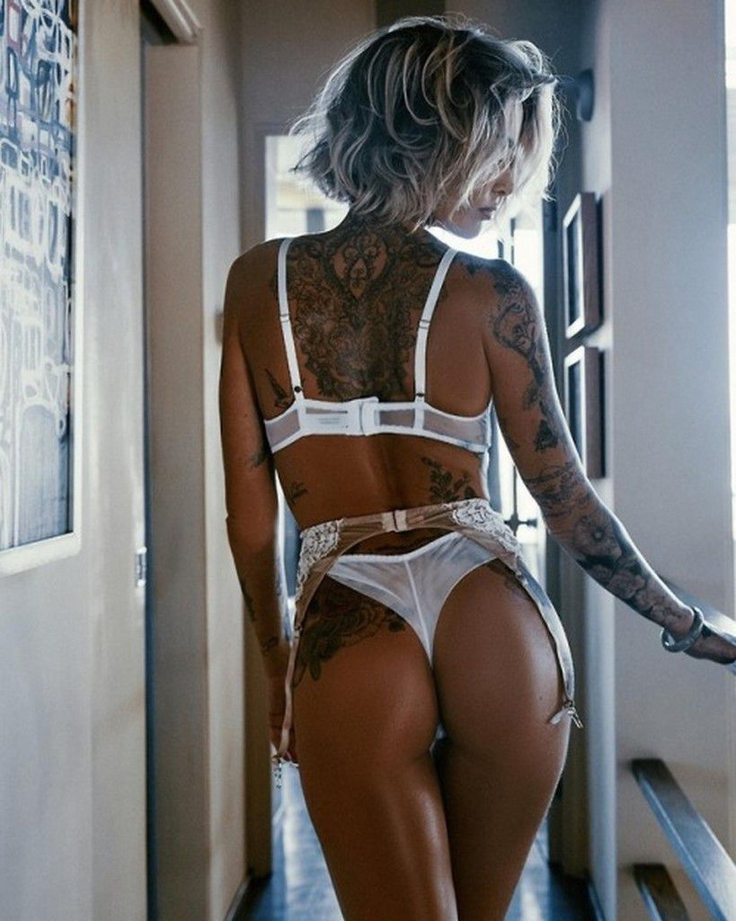 Quand la beauté et les tatouages s'entremêlent (28 Photos)