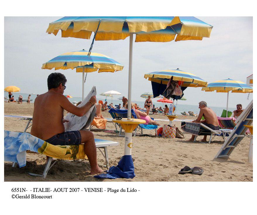ITALIE  (VENISE- PLAGE DU LIDO)