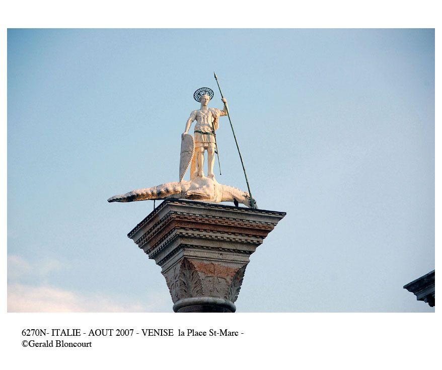 ITALIE (VENISE - PLACE ST MARC)
