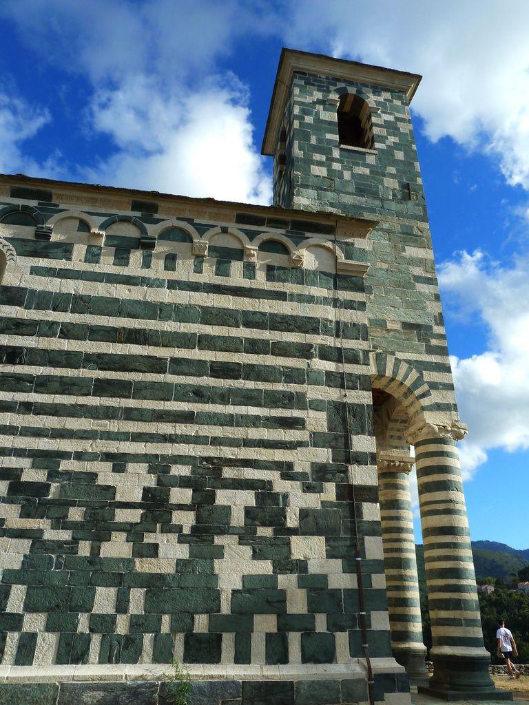 Un peu plus au sud du Cap, la belle église San-Michele de Murato .