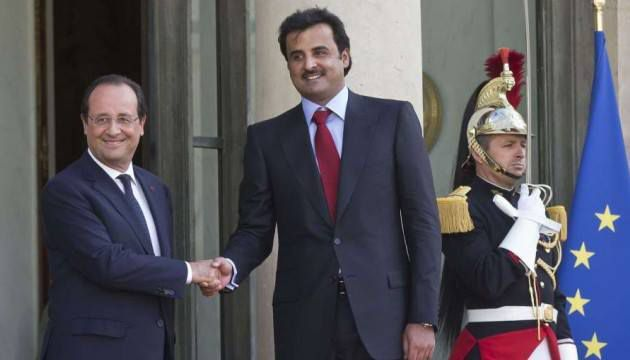 François Hollande accueille le nouvel émir du Qatar - le fils du précédent -, Sheikh Tamim ben Hamad Al-Thani, à l'Élysée le 24 juin 2014