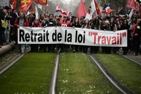 La manifestation contre la loi El Khomri a rassemblé 1,2 million de personnes dans toute la France. Ici, à Strasbourg.    Photo : AFP
