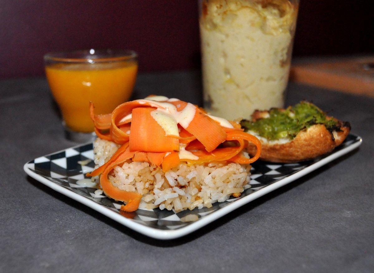 tagliatelles de carottes, soupe de potiron, flan de blanc de poireau et pain grillé au pesto de vert de poireaux