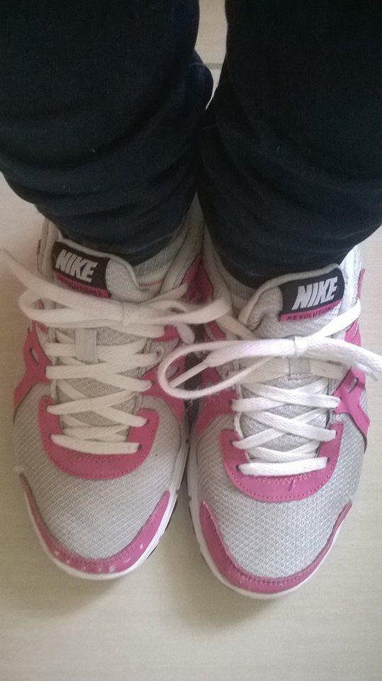 Haut et bas chez H&M et chaussure je sais plus ^.^