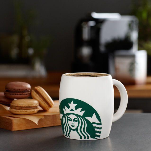 Tasse avec logo Starbucks®, 8 fl oz, 7,90€ /Gobelet pour boissons froides Starbucks®, 16 oz liq , 13,90 €