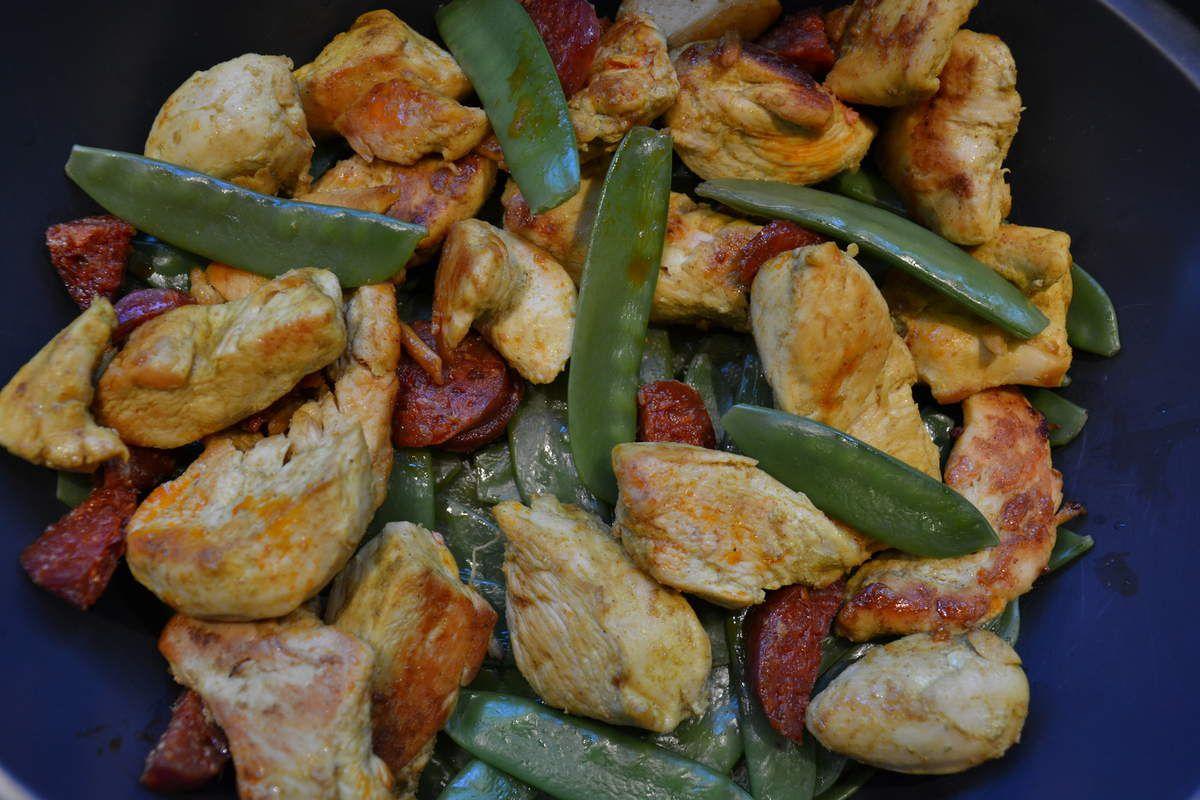 Poulet curry chorizo aux haricots plats