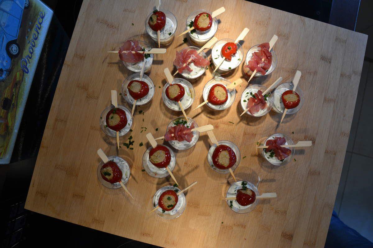 Verrines de Tzatziki sur un lit de poivron grillés