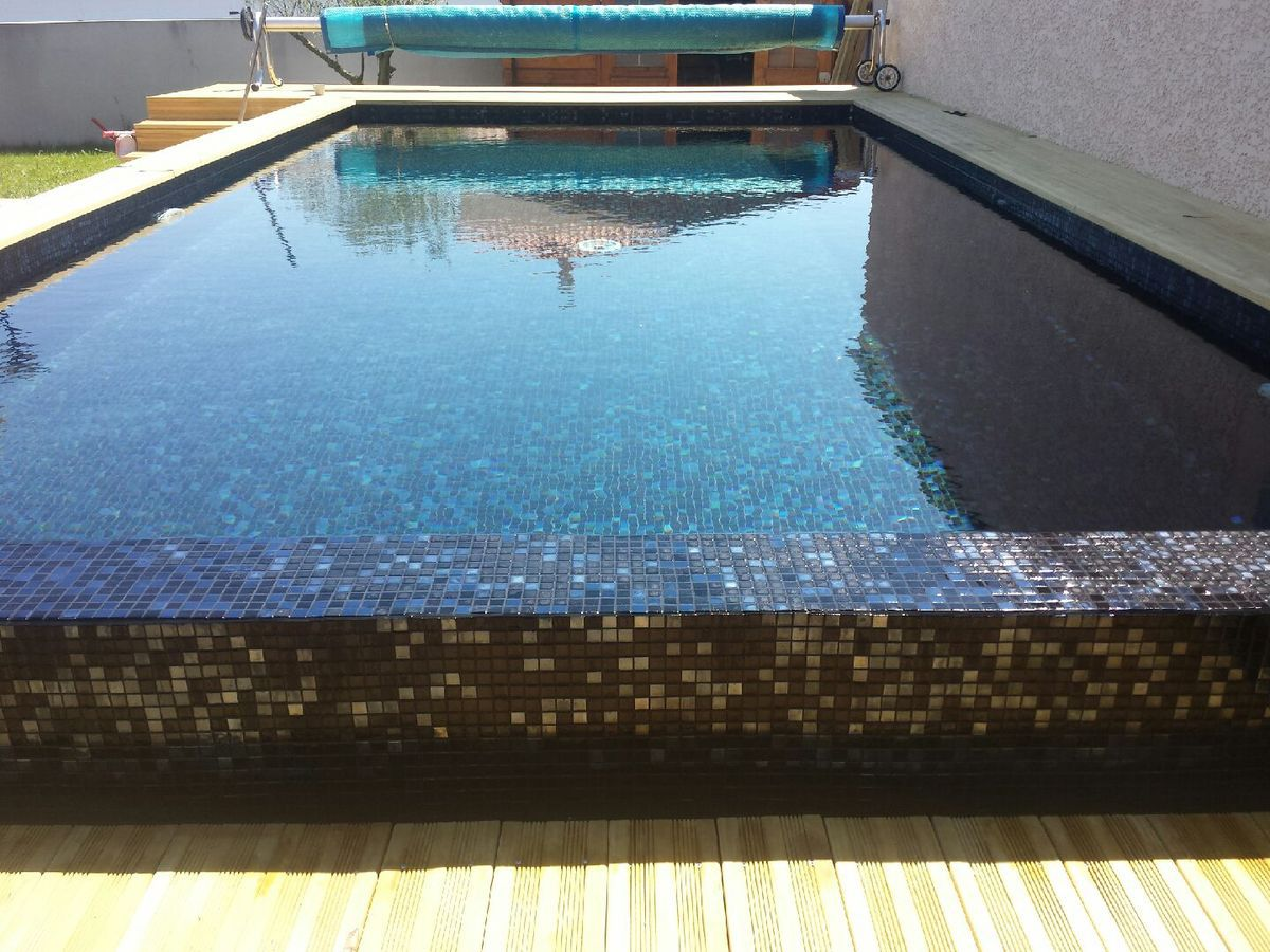 Mosaique piscine les tendances de l 39 ann e 2014 for Carrelage piscine mosaique