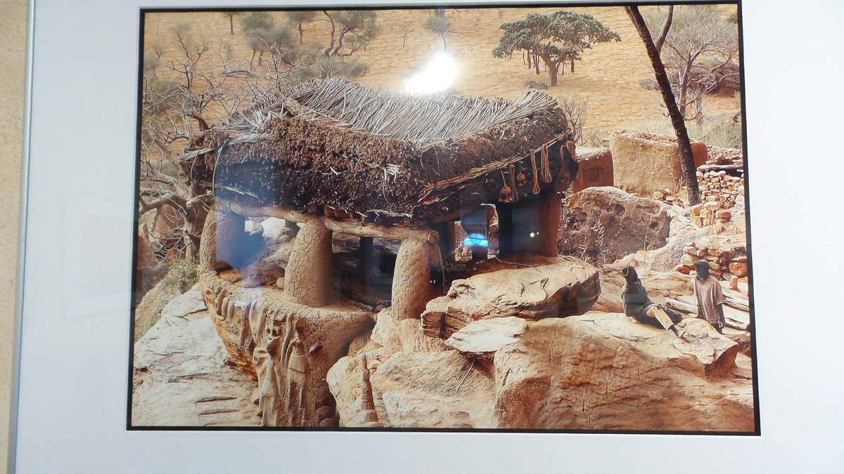 REGARDS SUR LE MALI EN PAYS DOGON A LA TOUR DE LA DEFENSE A  VILLEMUR S/TARN (31)