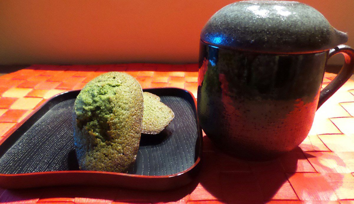 MADELEINES AU THE MATCHA