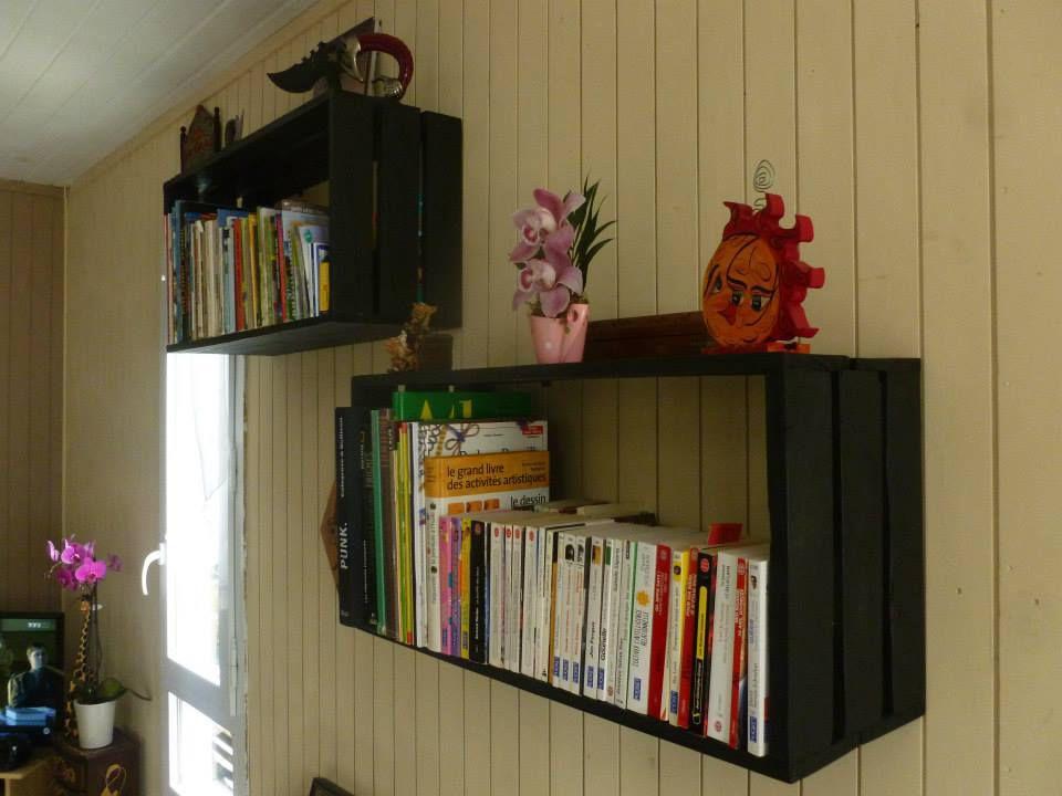 Etag re biblioth que murale en palette de r cuperation - Bibliotheque caisse bois ...