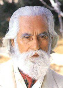 Omraam Mikhaël Aïvanhov (1900-1986) maître spirituel français d'origine bulgare, vint en France en 1937 où il donna l'essentiel de son enseignement.