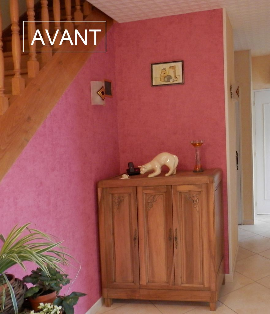 Avant apr s hall d 39 entr e repeint architecte d 39 int rieur for Quelle couleur de peinture pour un hall d entree