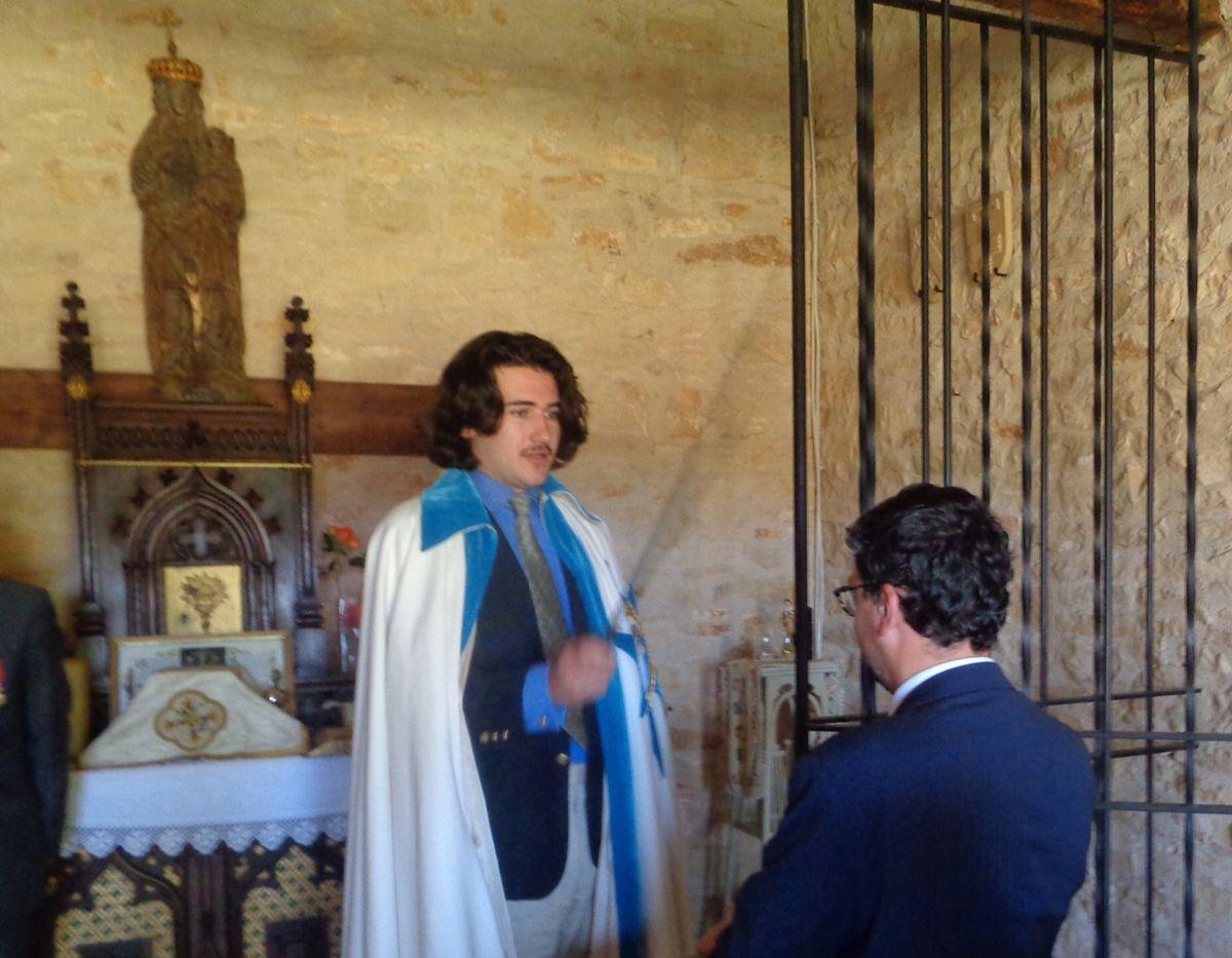Réception d'un chevalier dans l'Ordre Noble de l'Etoile du Sud.