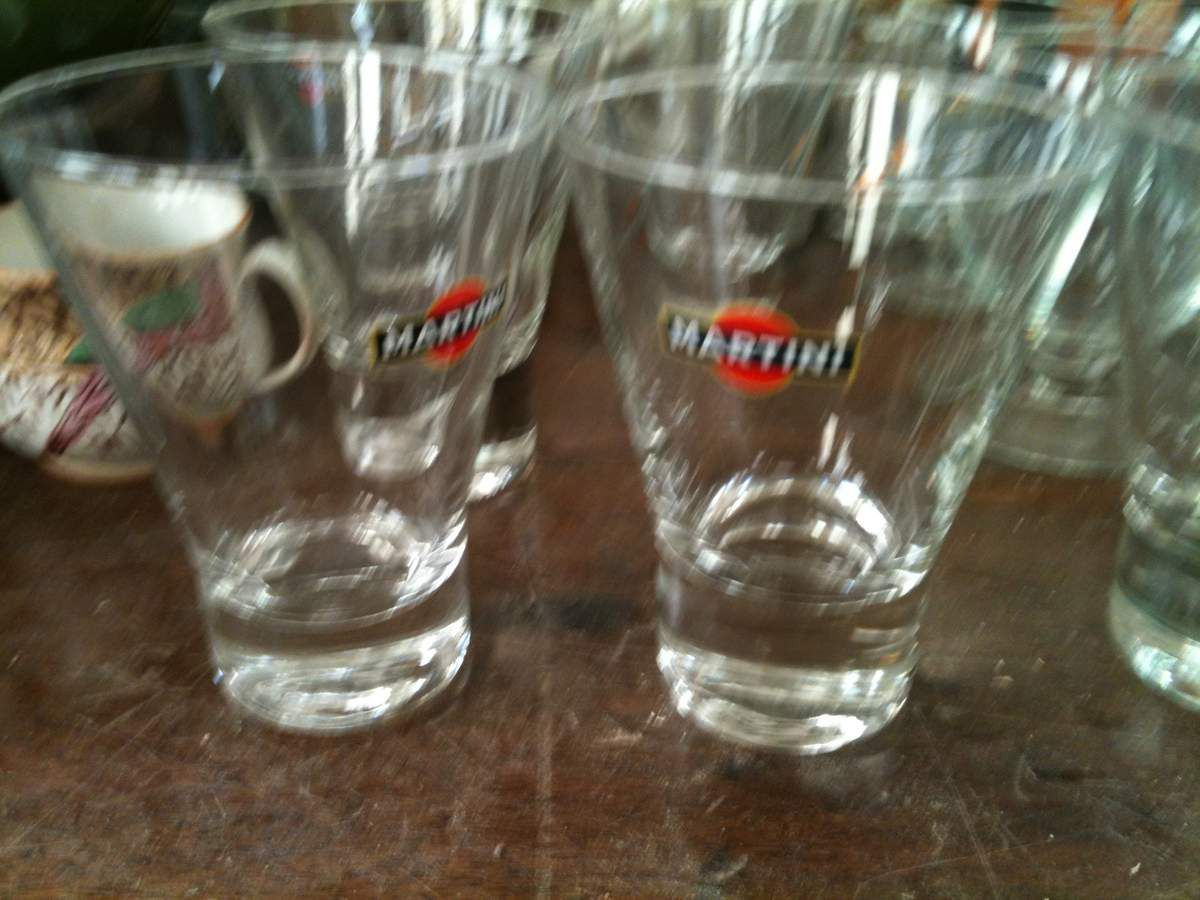 6 VERRES MARTINI  TRES BON ETAT  PRIX 12€ PORT POSSIBLE 4€ ...