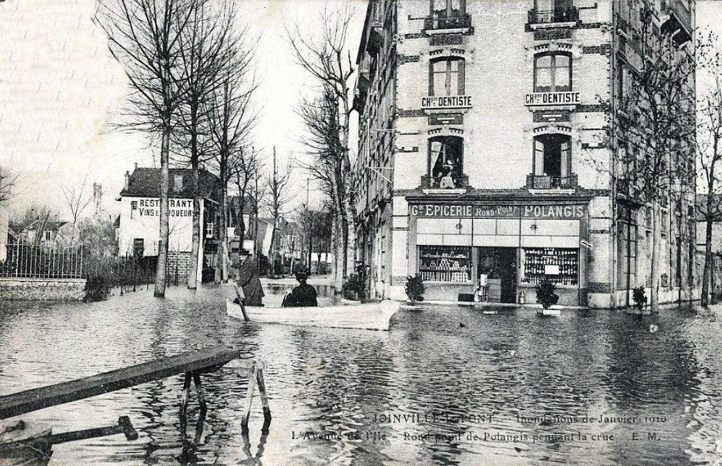 Joinville le pont pendant l'inondation de Janvier  1910- Collection Jean-Claude Baquiast - DR