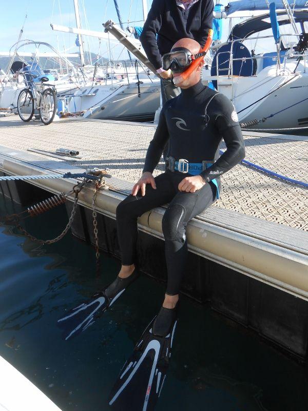 Un dernier ptit plongeon dans le port, à quelques minutes du départ ! ça rafraîchit !