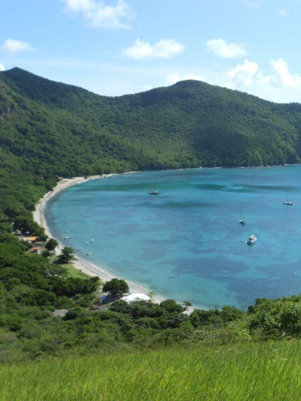 Saline Bay à Mayreau, Petit Saint Vincent, Fregate Island et Chattam Bay sur Union Island... On est seul au monde ! Juste Caya qui fait du paddle avec Christian !