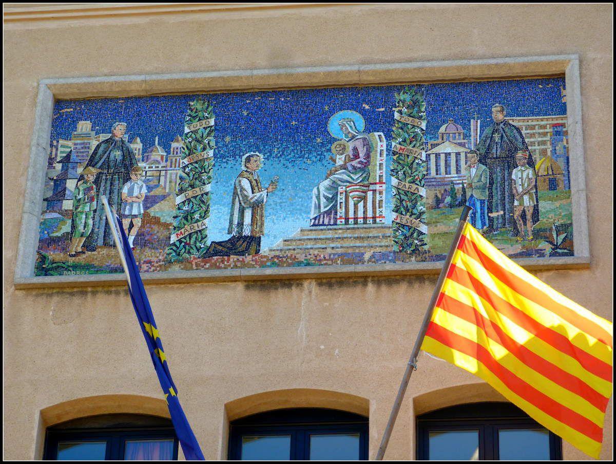 Mosaïque et vitraux à Llinars del Vallès