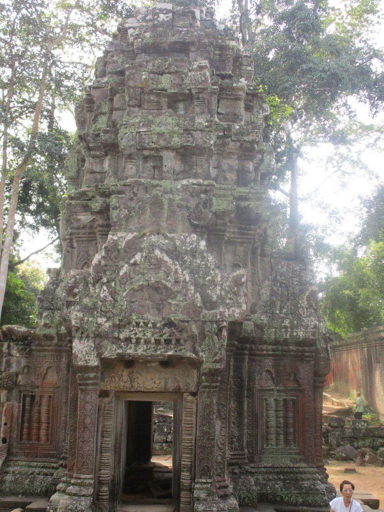 aux temples