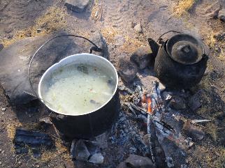Notre soupe de poisson ... sans oublier la tête de poisson dans l'assiette ... bon appétit