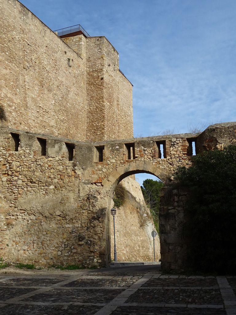 Ville de Tortosa et son fort, Espagne, noël 2017