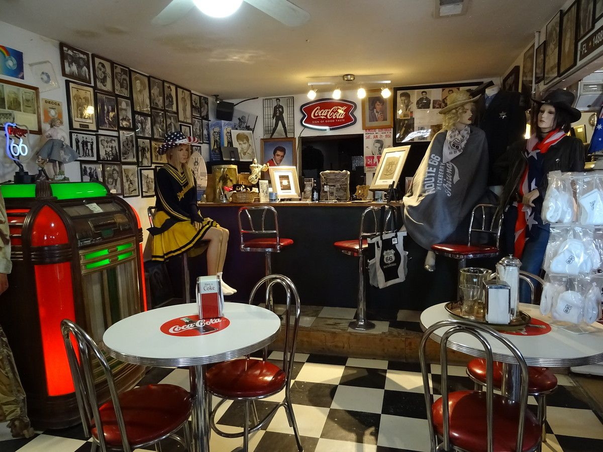 Hackberry store (route 66)