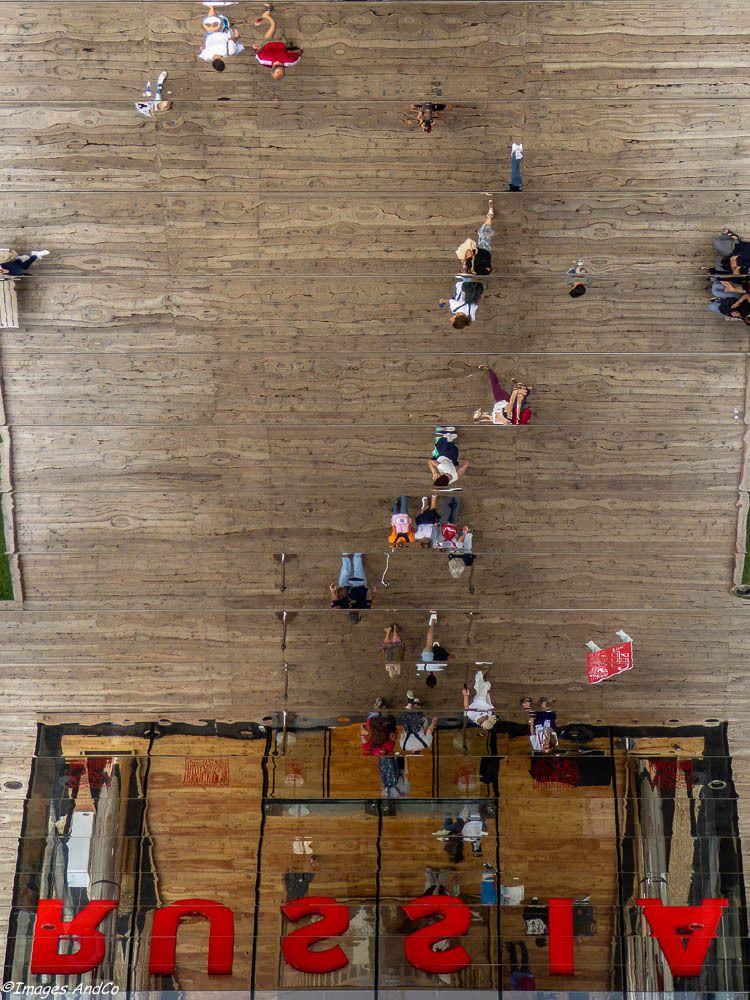 La libre expression des architectes nous entraine dans un monde ou chaque pays montre le meilleur de lui-même,