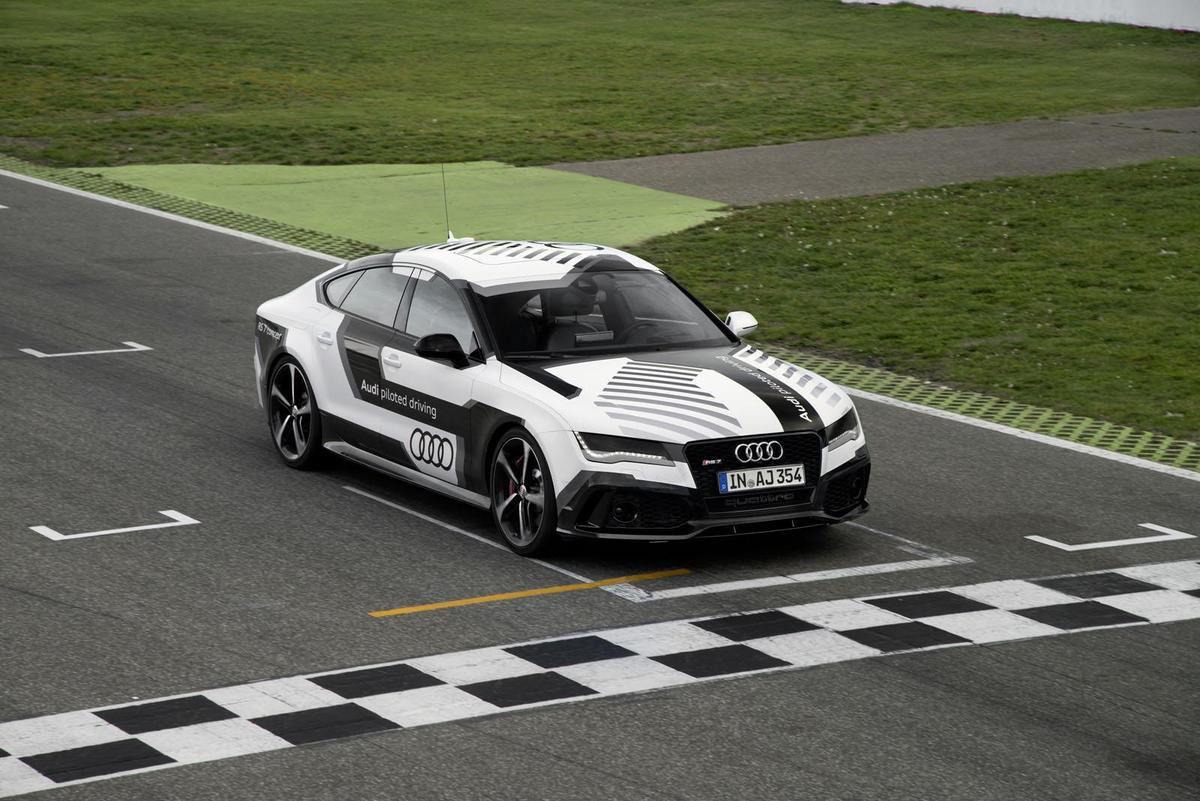 Première voiture de course sans pilote, l'Audi RS7 piloted driving sera lancée sur circuit le 19/10
