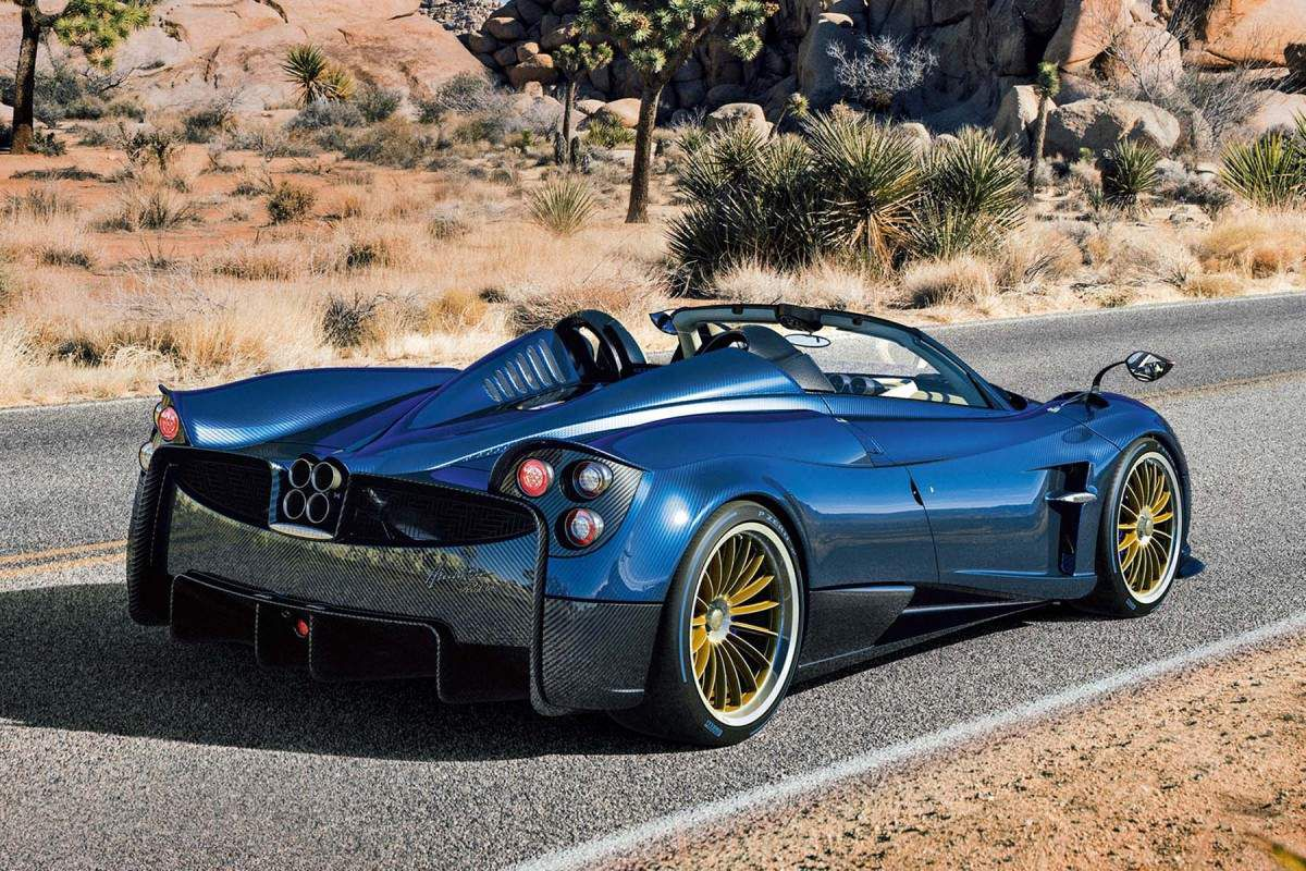 pagani huayra roadster images d tails techniques et prix ultimate supercars. Black Bedroom Furniture Sets. Home Design Ideas