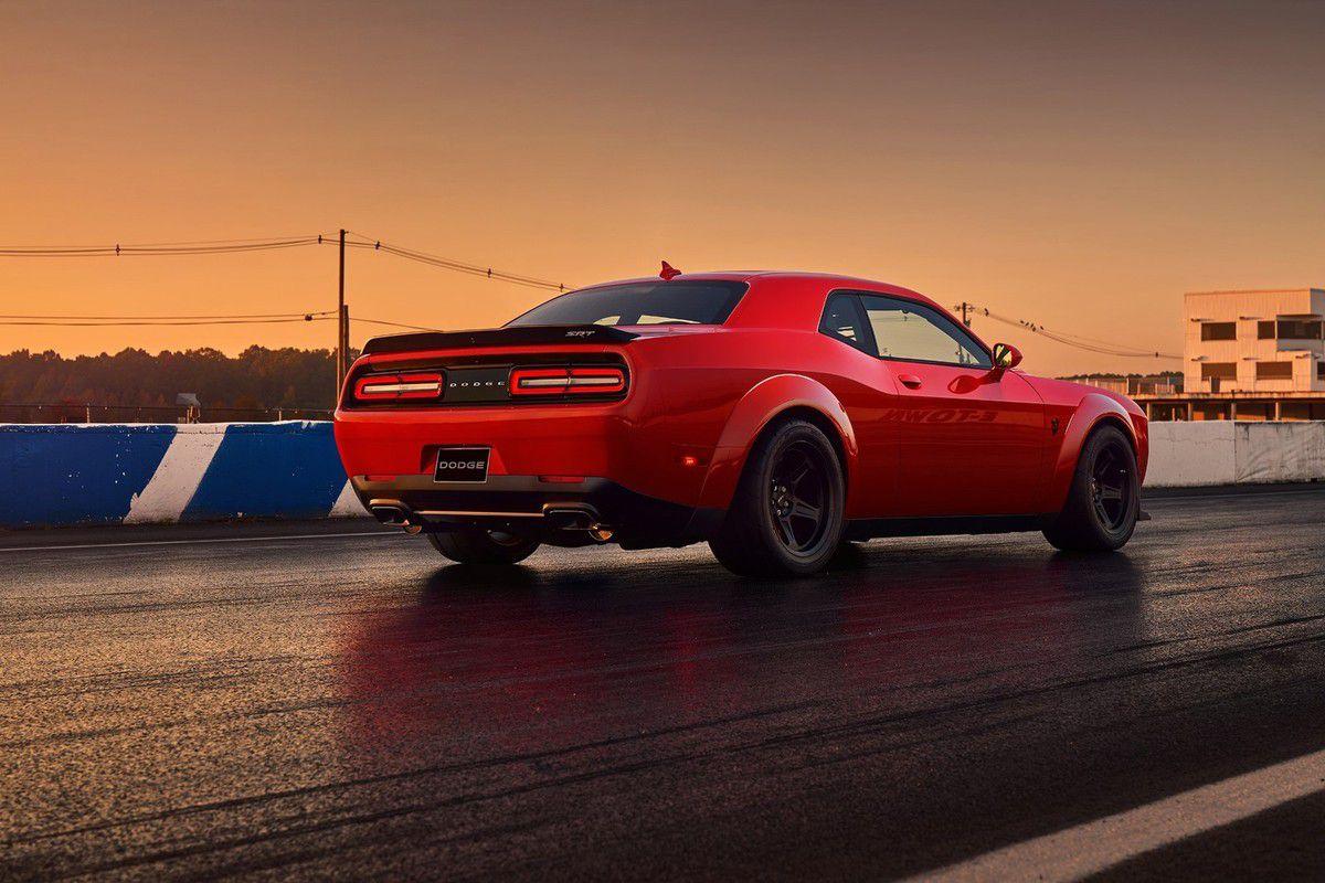 Dodge Challenger SRT Demon: plus rapide que la Chiron &amp&#x3B; lever de roues au démarrage!