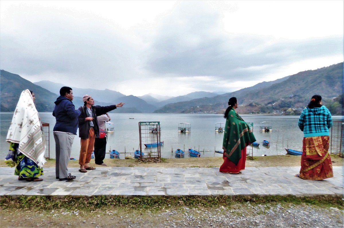 Au lac Fewa de Pokhara