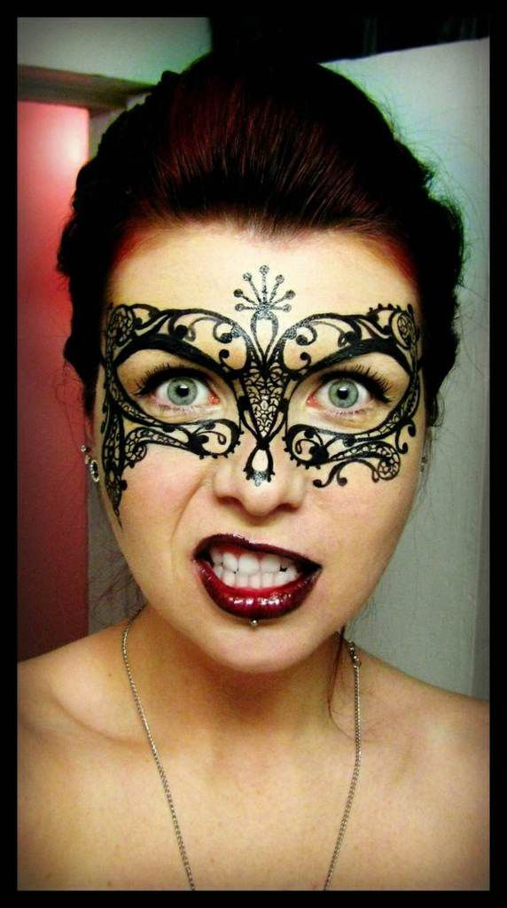 Envie d 39 un maquillage d 39 halloween - Maquillage sorciere femme ...