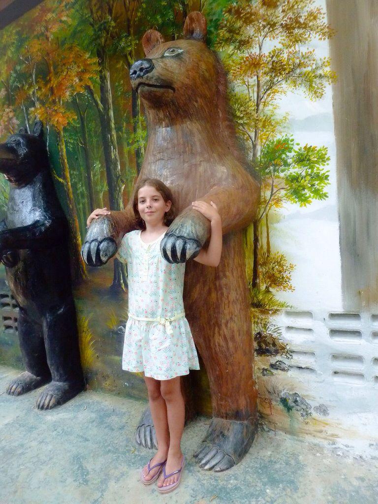 Les ours ont ils trop chaud sous leurs manteaux de fourrure? En tout cas ils n'ont pas l'air . �
