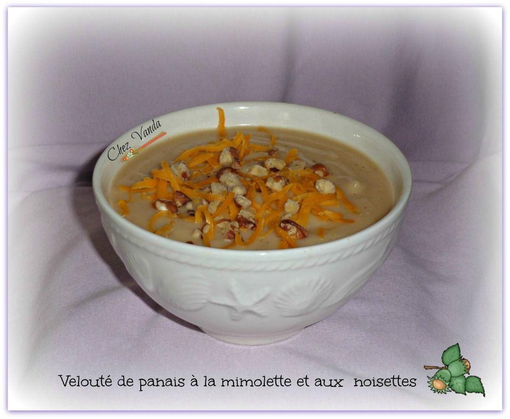 Velouté de panais à la mimolette et aux noisettes
