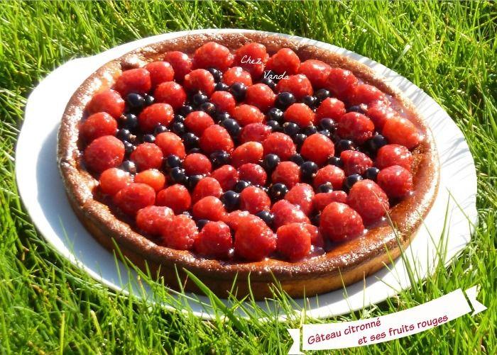 Gâteau citronné et ses fruits rouges