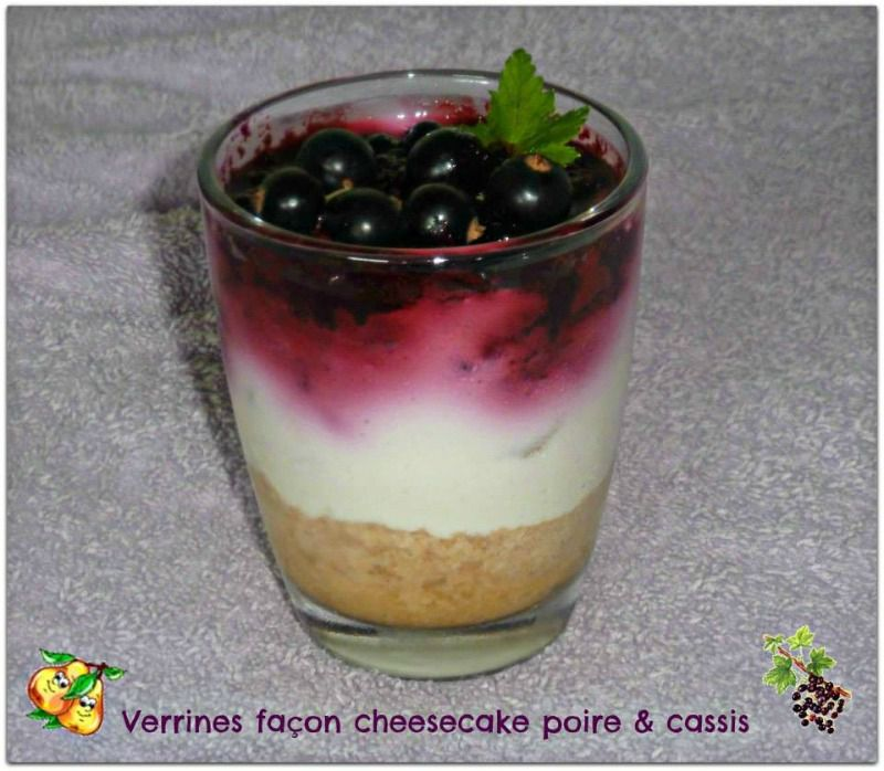 Verrines façon cheesecake poire &amp&#x3B; cassis