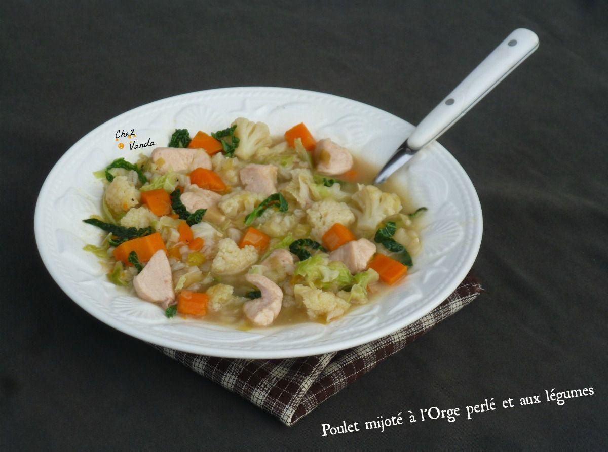 Poulet mijoté à l'orge perlé et aux légumes