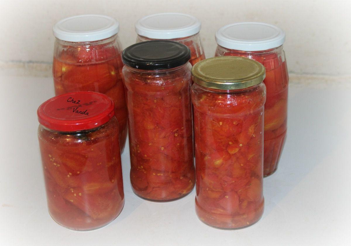 Pulpe de tomates (et tomates entières) en bocaux