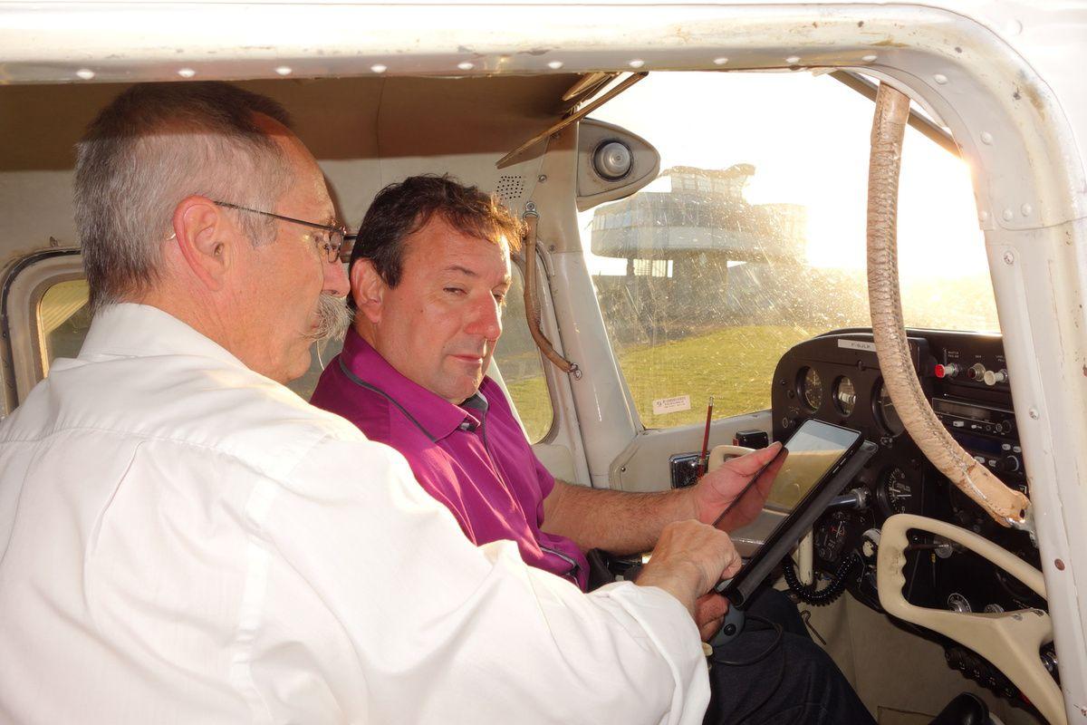 "Camille cherche un avion ....Briefing IPAD des ""Didier"","