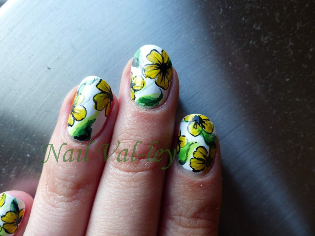 Nail art Inspired by Robin Moses